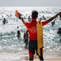 L'été, le soleil, la chaleur, les amis et hop ! une sortie en mer s'organise. On profite et on néglige notre sécurité et c'est là qu'interviennent les anges gardiens des océans. 4083 interventions de sauvetage ont eu lieu en 2020 et 7408 marins d'eau douce sauvés par ces bénévoles. Un grand merci à eux et n'oublions pas de soutenir les sauveteurs de la @sauveteurs_en_mer. #permisbateau #deauville #caen #paris #brest #stmalo #stbrieuc #vannes #lorient #rennes #nantes #nice #sauveteursenmer #sea #oceans #journeenationaledessauveteursenmer